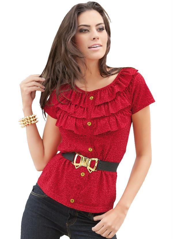 blusa vermelha com babados