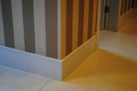 imagem 12 1 470x314 - RODAPÉ de madeira para apartamento ou casa, veja ideias