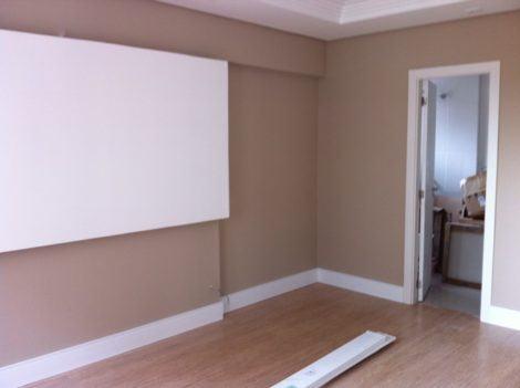 rodape de madeira para apartamento 470x351 - RODAPÉ de madeira para apartamento ou casa, veja ideias