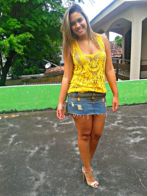 blusa de renda amarela 9 470x627 - BLUSA DE RENDA AMARELA, modelos para usar com saia e shorts