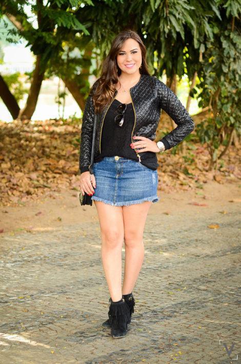 imagem 11 1 470x709 - Botinha feminina com franja : Com saia, vestido e calça jeans (Veja como usar)