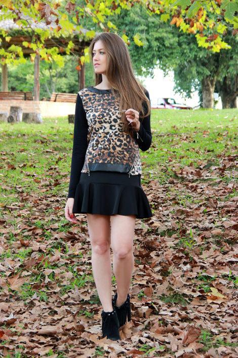imagem 13 470x705 - Botinha feminina com franja : Com saia, vestido e calça jeans (Veja como usar)