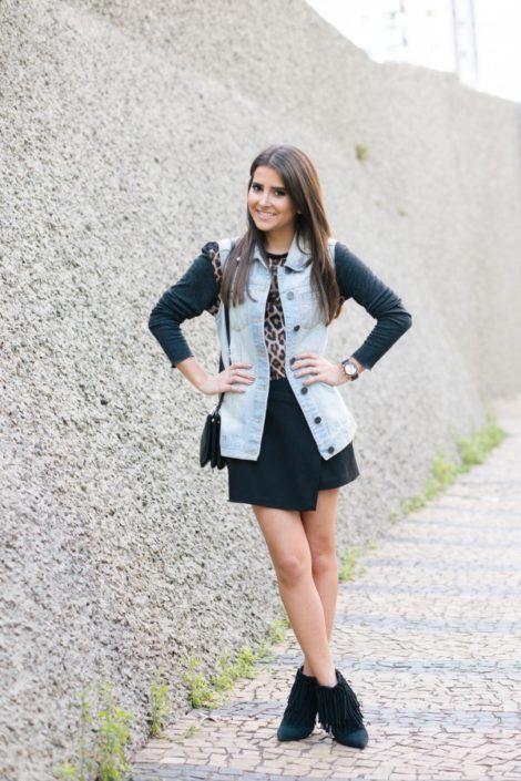 imagem 19 470x705 - Botinha feminina com franja : Com saia, vestido e calça jeans (Veja como usar)