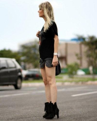 imagem 24 - Botinha feminina com franja : Com saia, vestido e calça jeans (Veja como usar)