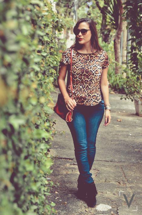 imagem 28 470x709 - Botinha feminina com franja : Com saia, vestido e calça jeans (Veja como usar)