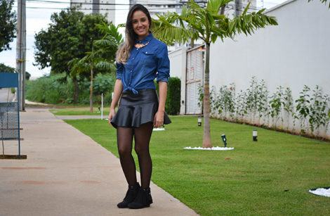 imagem 9 1 470x307 - Botinha feminina com franja : Com saia, vestido e calça jeans (Veja como usar)