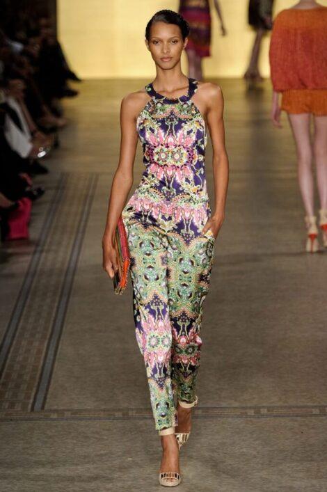 macacao feminino estampado 6 470x707 - Macacão feminino 2018 super na moda ( Veja os looks )