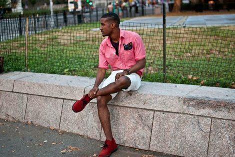 sapato camurca masculino vermelho 470x313 - Como usar SAPATO DE CAMURÇA MASCULINO: com calça e bermuda