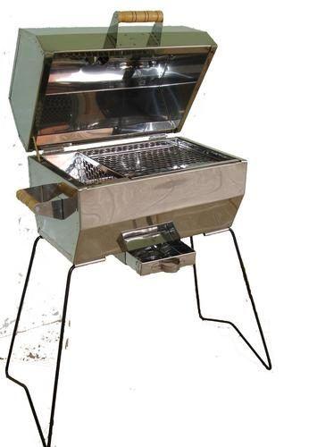 churrasqueiras de carvao pequenas 10 - Opções em CHURRASQUEIRA DE CARVÃO PEQUENAS pequenas, de inox modelos portateis