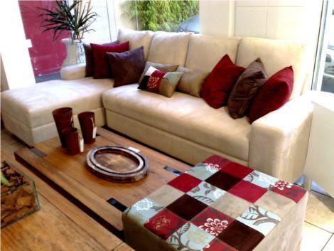 puff decorativo para sala 470x353 - Modelos de Puff decorativo para sala de estar coloridos e charmosos