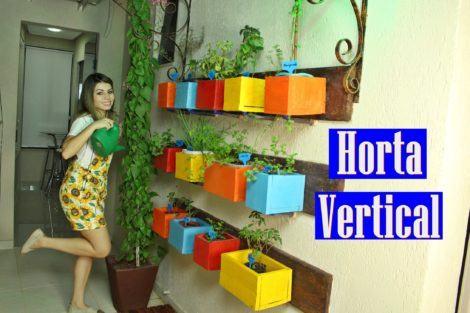 horta vertical na parede 470x313 - HORTA VERTICAL PARA SACADA do apartamento, veja