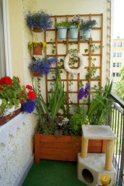 ideias de horta na sacada de apartamento para se inspirar 420x629 - HORTA VERTICAL PARA SACADA do apartamento, veja