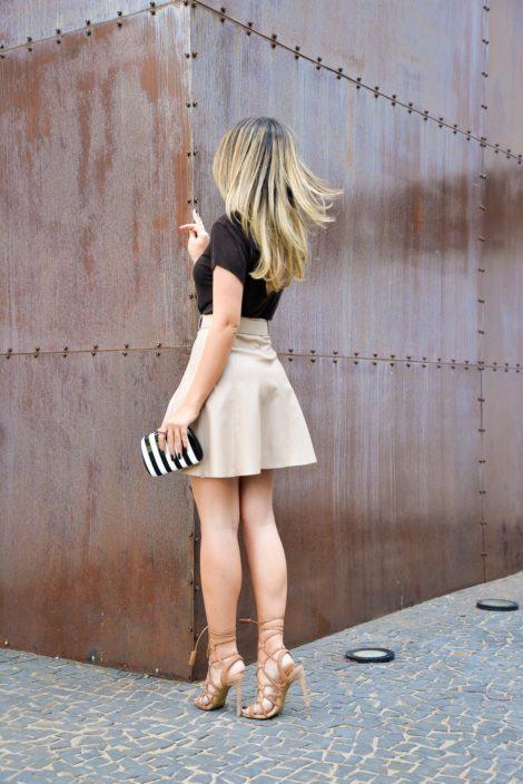 imagem 32 470x704 - SANDÁLIAS GLADIADORAS DE SALTO com saia, calça, shorts e vestido
