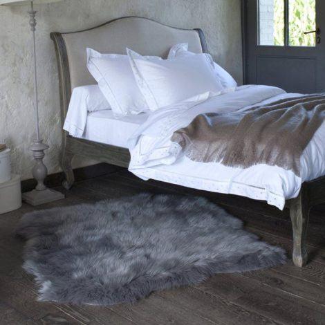 12 470x470 - TAPETE DE PELE DE CARNEIRO decoração e conforto pra sua casa