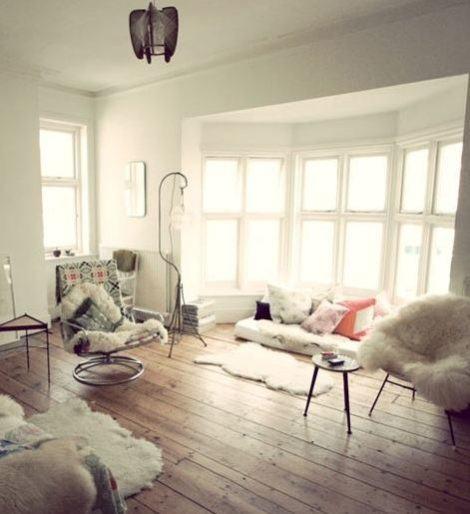 22 470x514 - TAPETE DE PELE DE CARNEIRO decoração e conforto pra sua casa