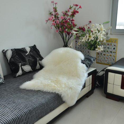 23 470x470 - TAPETE DE PELE DE CARNEIRO decoração e conforto pra sua casa