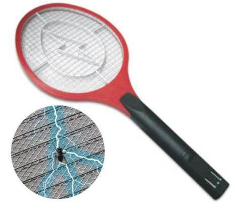 Raquete de Matar com Choque 470x404 - Como Espantar Pernilongos e mosquitos de Dentro de Casa