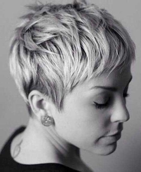 cabelos pixie para senhoras 1 470x572 - Novos Cortes de Cabelos Curtos para Senhoras, Os Cortes da Moda