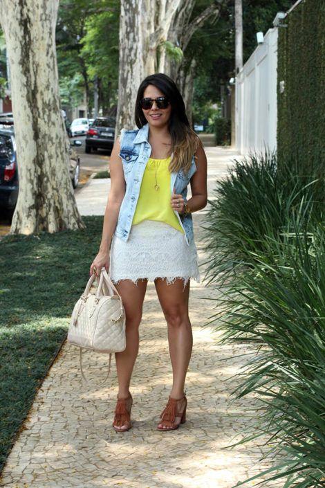 colete jeans com saia 4 470x705 - Colete Jeans Feminino Confira como Combinar com Tudo