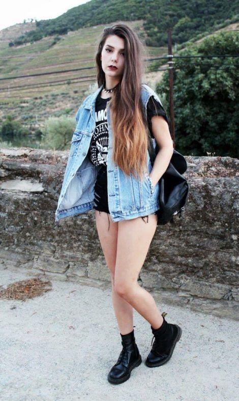 colete jeans com short 2 470x788 - Colete Jeans Feminino Confira como Combinar com Tudo