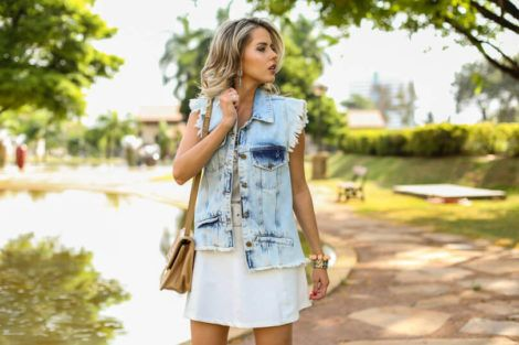 imagem 5 6 470x313 - Colete Jeans Feminino Confira como Combinar com Tudo